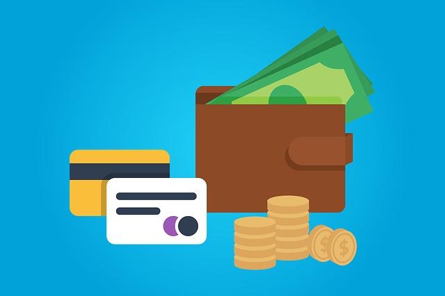 peníze, kreditka a peněženka.jpg