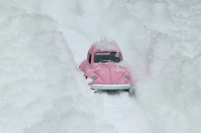Auto a sníh