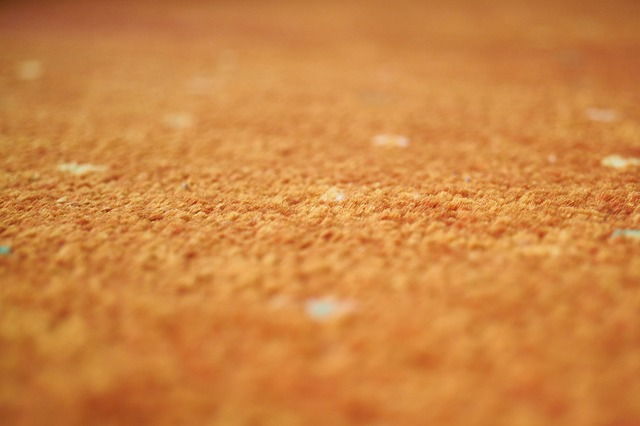 oranžový koberec